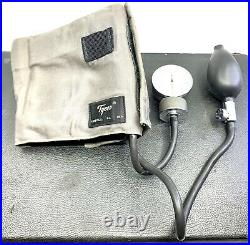 VINTAGE DOCTOR MEDICAL BAG and EQUIPMENT STETHO BP CUFF OTOSCOPE, CLAMP, HAMMER