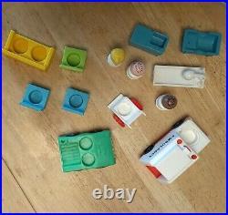 Vintage Fisher Price Little People Hospital Lot (13) withfigures medical equipment