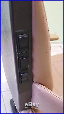 Vintage Royal 7572 Electric Hydraulic Dental Tattoo Facial Exam Chair