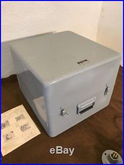 Vintage USN Portable Operating Room Surgical Light Wilmot Castle L-8010