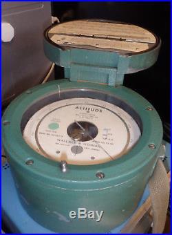 Vintage Wallace & Tiernan FA181 Military Altitude Barometer Pressure Gauge