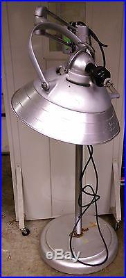 Wilmot Castle Vintage dentist lamp